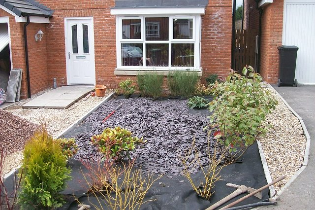 Garden landscaping project in offerton driveway and for Evergreen landscapes ltd