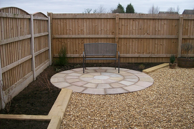Landscape gardening services in stockport evergreen for Cheap garden maintenance